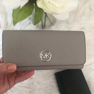 Michael Kors large Fulton flap continental wallet